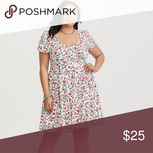 81b50fd1b3a Floral print dress torrid size 3 Floral pattern dress with sweetheart  neckline and ruching in the