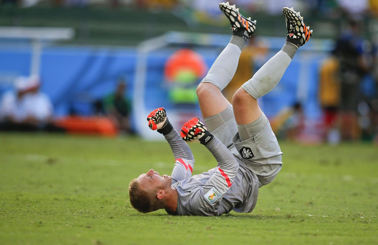 Netherlands' goalkeeper Jasper Cillessen celebrates after