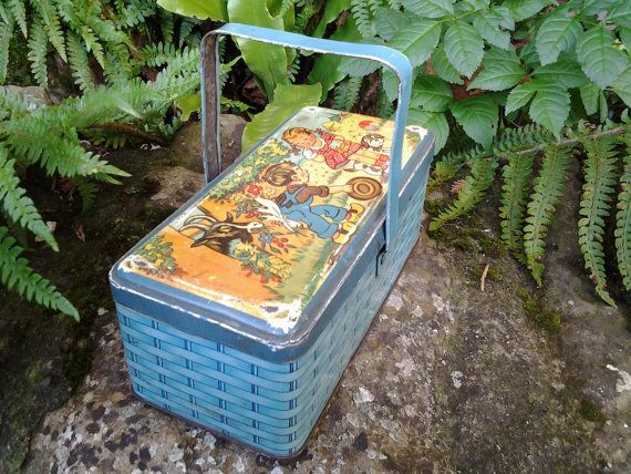 Vintage french  Storage Tin Box with handle by aubonheurduchineur