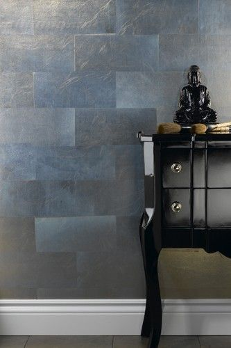 Maintaining A Tradition That Started Centuries Ago Our Authentic Metallic Leaf Wallcoverings Are Crafted By Wall Coverings Wall Treatments Monochromatic Decor