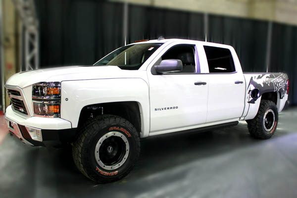 jacked up white chevy trucks - photo #40