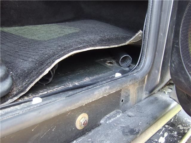If Your Land Rover Discovery Ii Is Getting Wet Carpets Before You Rhpinterest: 2001 Land Rover Discovery Sunroof Schematic At Elf-jo.com