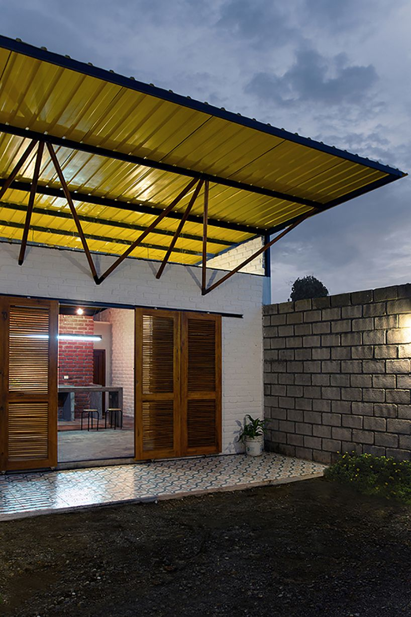 A small house from Ecuador that makes use of local materials and simple layout: http://humble-homes.com/house-for-someone-like-me-makes-use-of-local-materials-and-a-simple-layout/