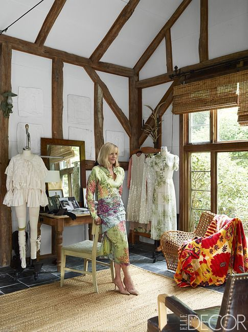HOUSE TOUR: Inside Lorry Newhouse's Perfectly Charming Cottage- ELLEDecor.com