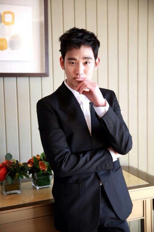 잘생겼다~~~ 잘생겼다~~~ #kimsoohyun #김수현