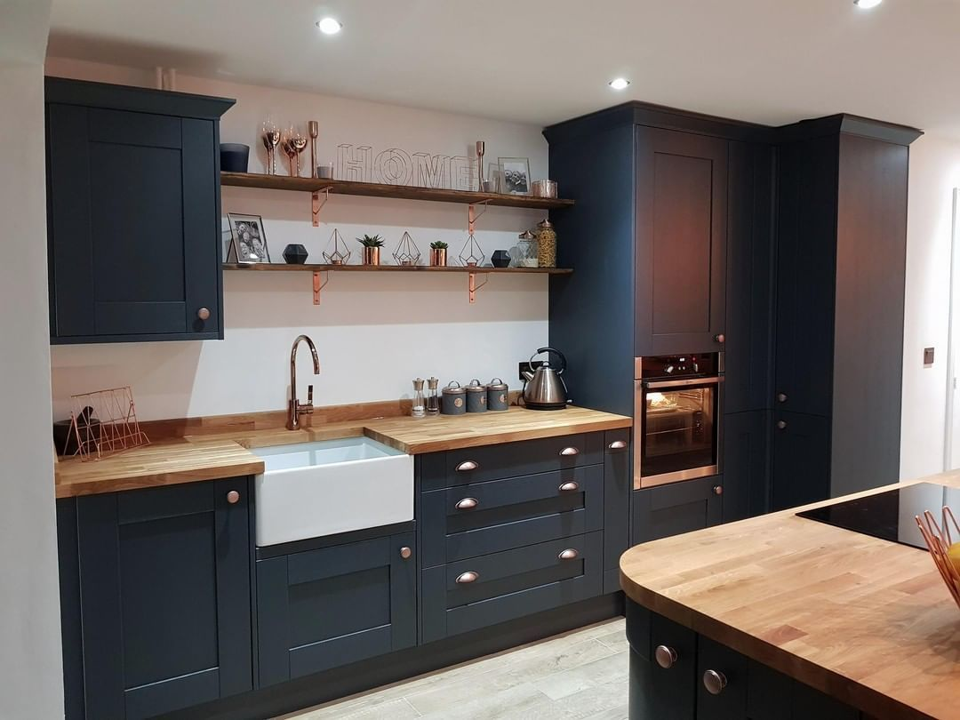Wickes On Instagram Explore Our Customer Kirsty Blackman S Milton Midnight Kitch In 2020 Wooden Worktop Kitchen Contemporary Kitchen Cabinets Blue Kitchen Cabinets