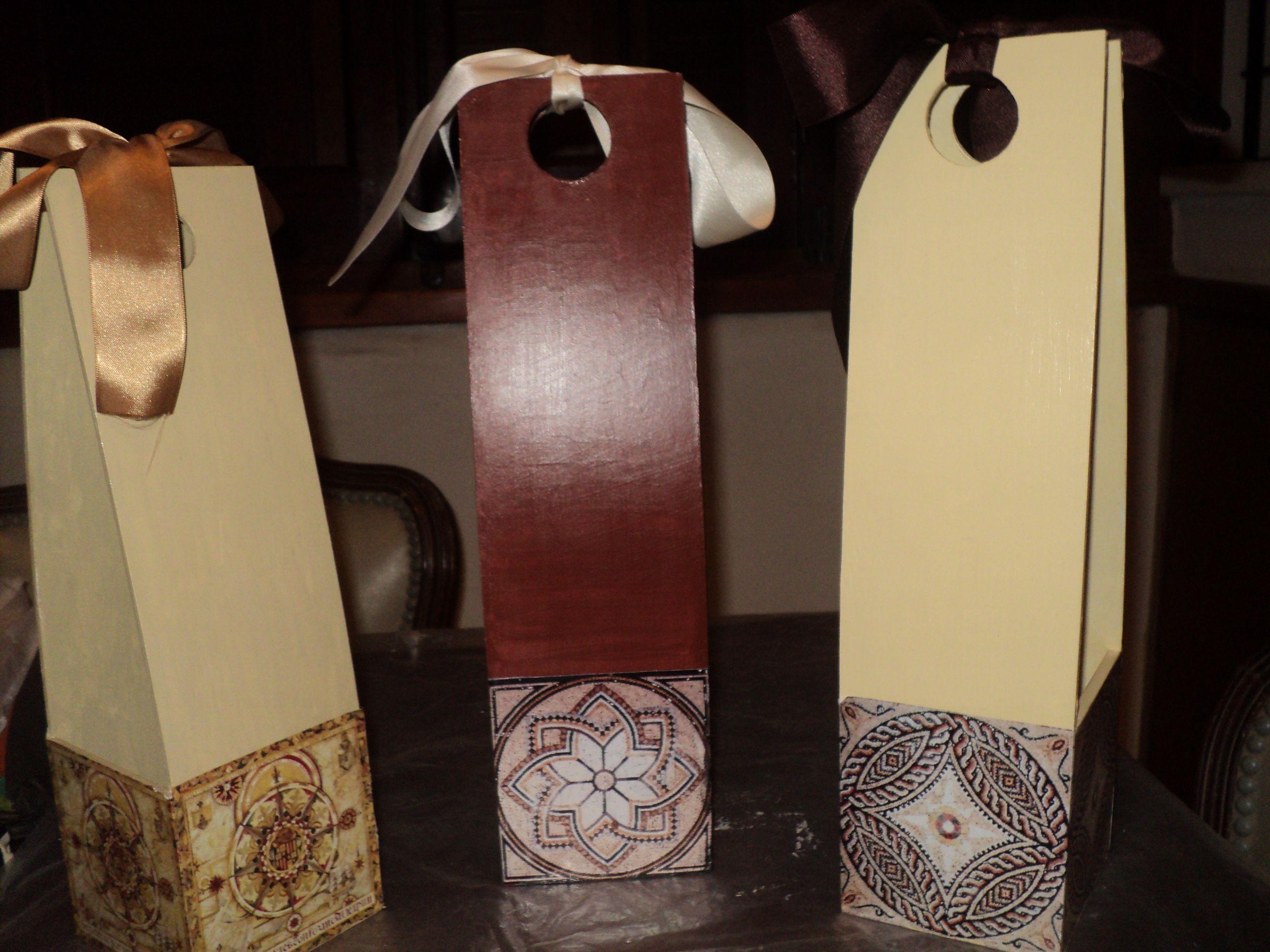 cajas porta vinos pintadas con acrlico y decoupage