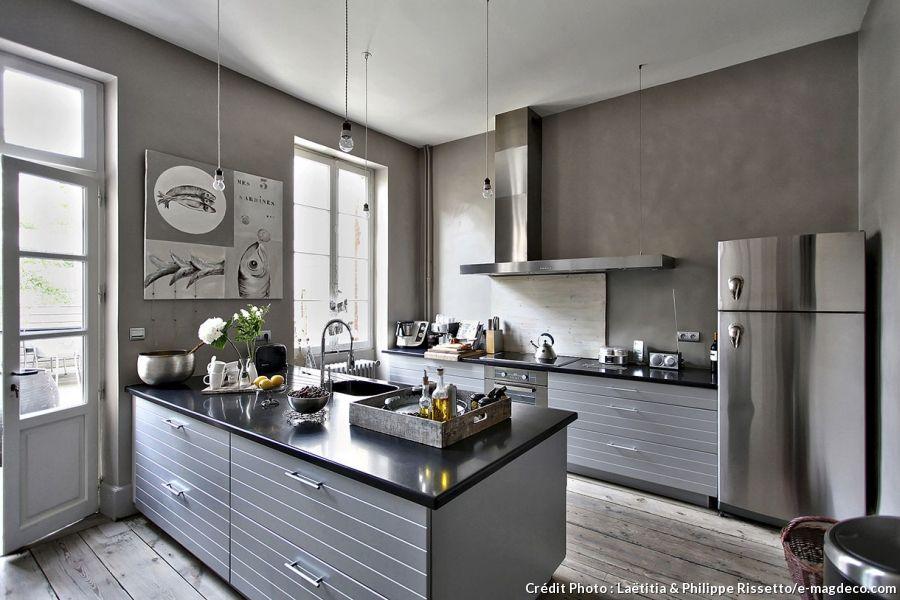 Une maison atelier qui décline le gris avec fantaisie ideal housebeautiful kitchensmodern