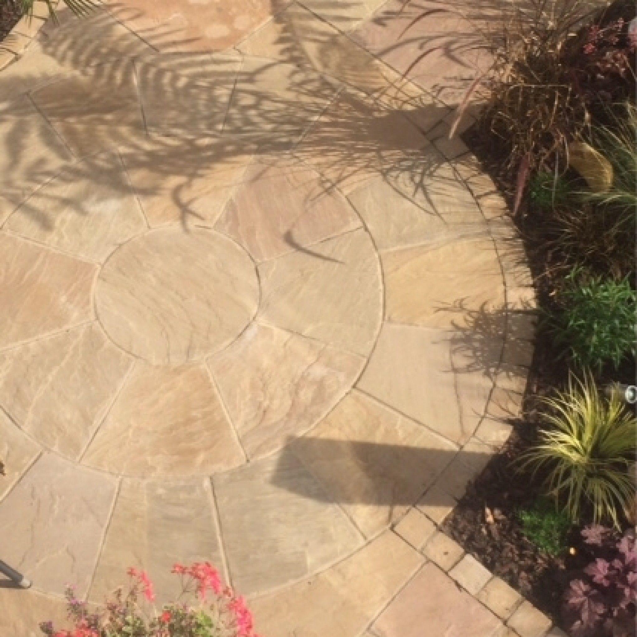 Bradstone, Natural Sandstone Paving Sunset Buff 2 Ring Circle - Pack ...