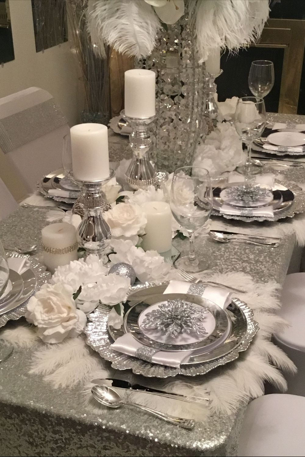 Table Dining Table Table Setting Centrepiece Tableware Dishware In 2020 Christmas Dining Room Table Dining Room Table Decor Dining Room Centerpiece