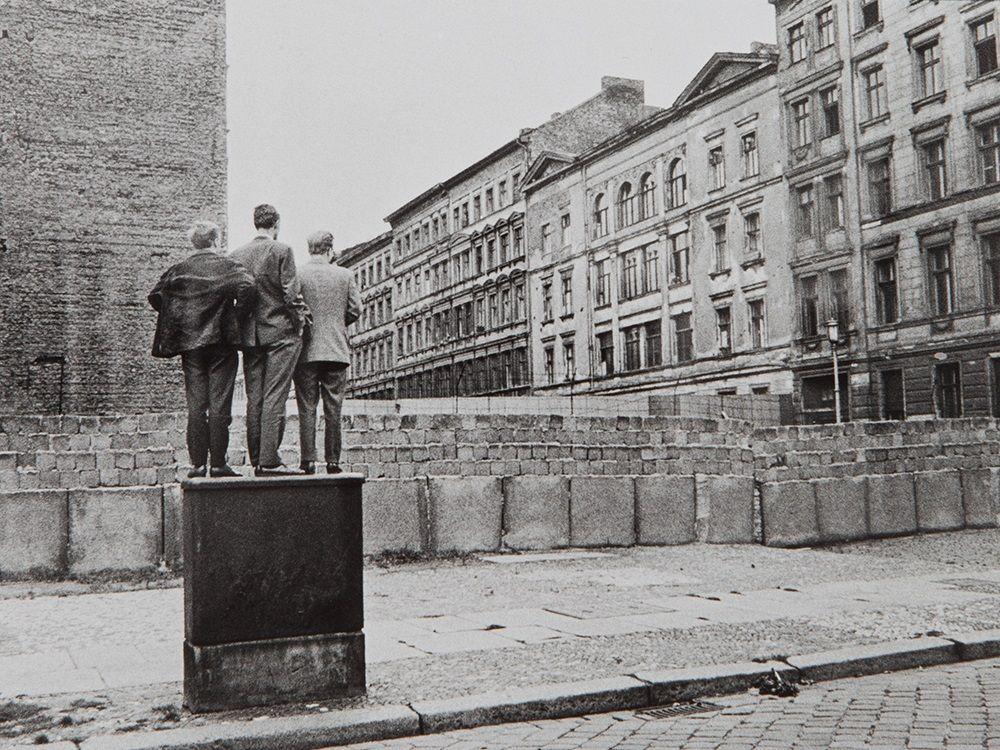 Henri Cartier-Bresson. The Berlin Wall. 1962  [::SemAp FB || SemAp G+::]