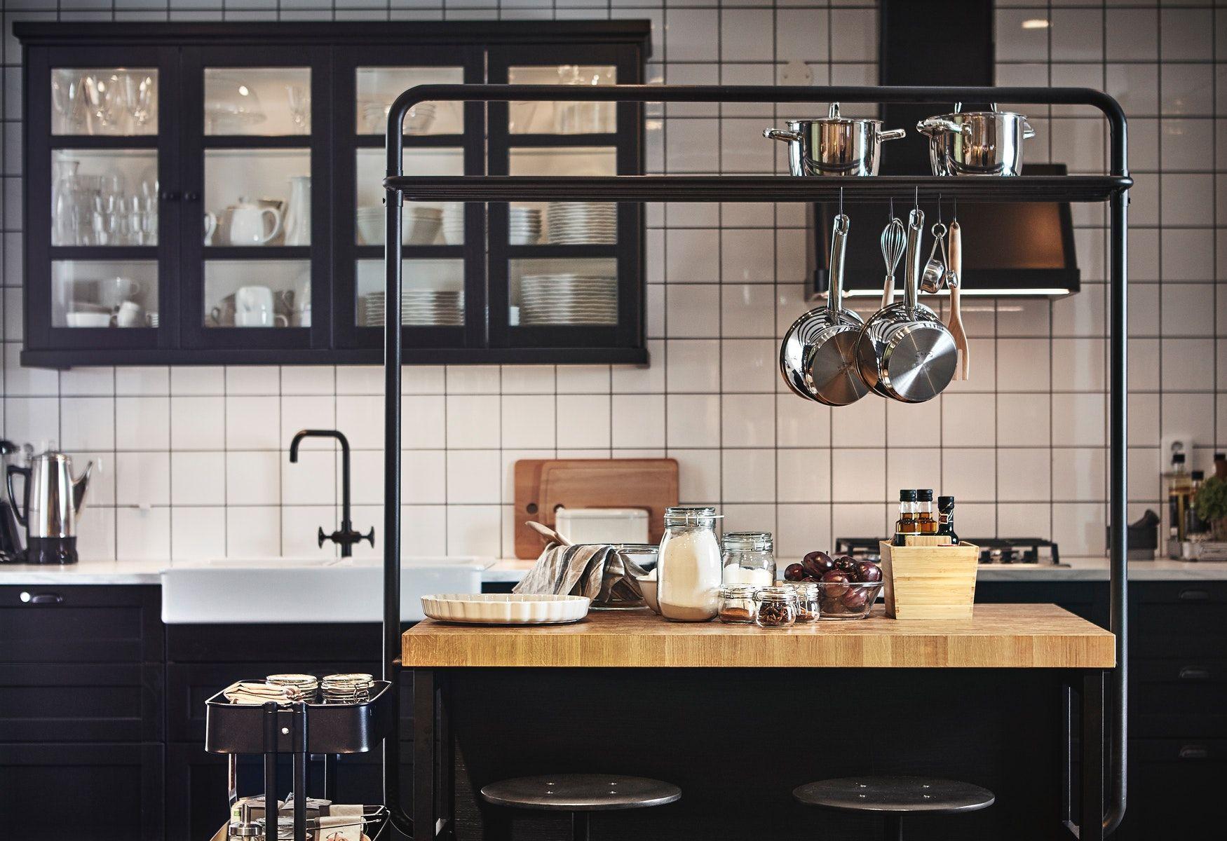 Vadholma Ilot De Cuisine Avec Casier Noir Chene Ikea Ikea Kitchen Ikea Kitchen Island Kitchen Decor