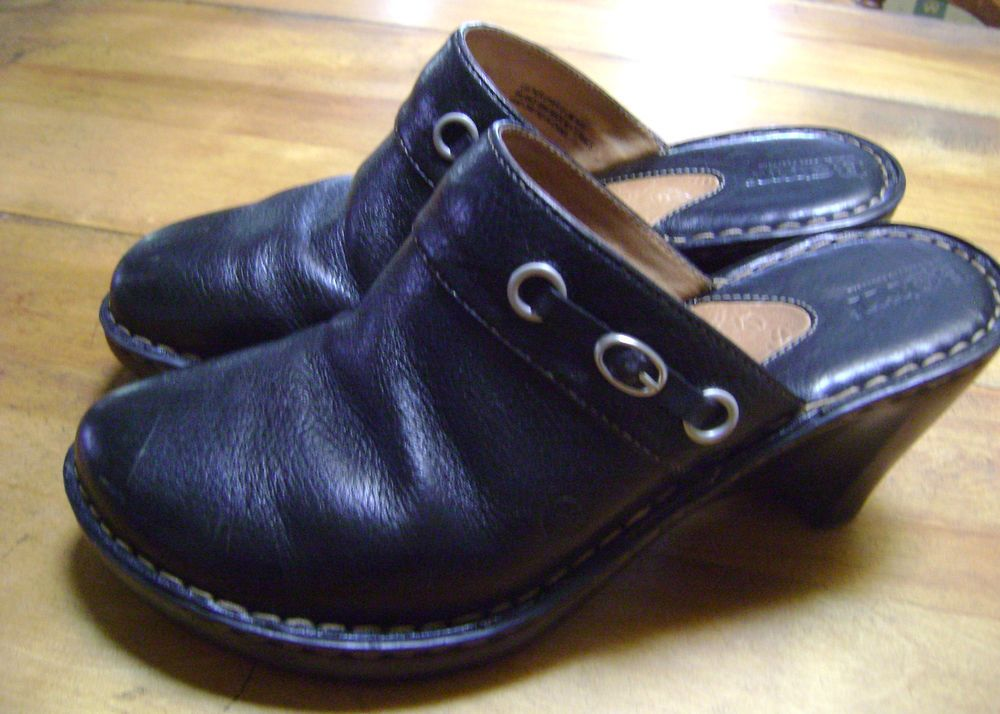 BORN WOMEN'S PEBBLE BLACK LEATHER EYELET BUCKLE COMFORT WEDGE CLOGS SIZE 10 #BORN #Mules