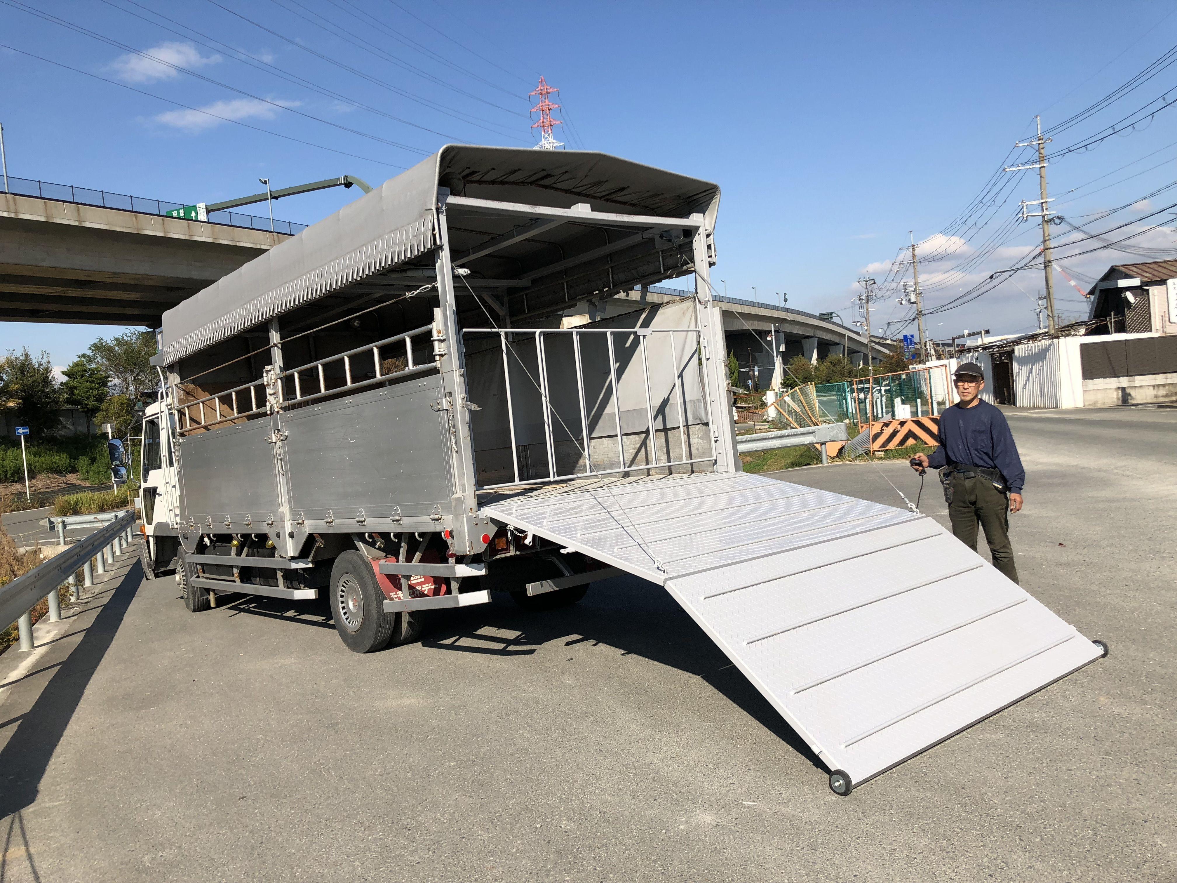 家畜運搬車の製作販売 中古 家畜 いすゞ エルフ