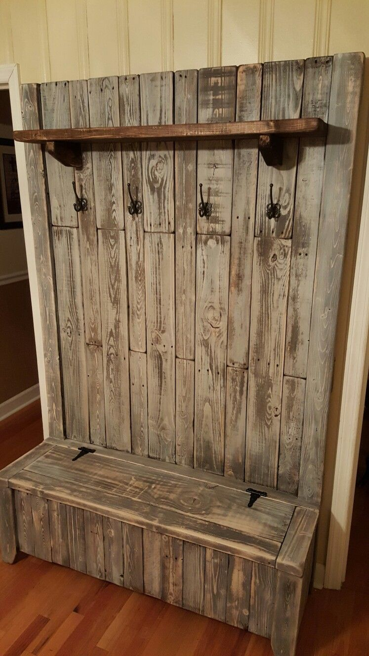 This Is A Pallet Wood Hall Tree That I Designed Based Off A Few Other Ideas That I Liked I Rustic Furniture Diy Wooden Pallet Furniture Wooden Pallet Projects