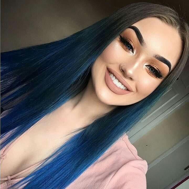 Blue hair shared by gabidino on We Heart It