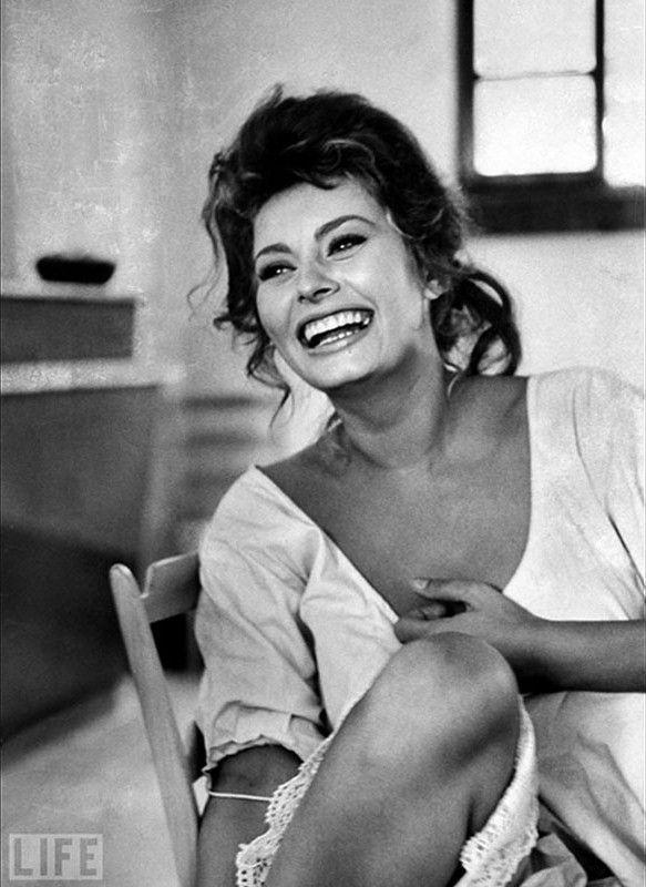 Ay chica! qué hermosa es la vida sin cirugias ni silicón.Sophia Loren