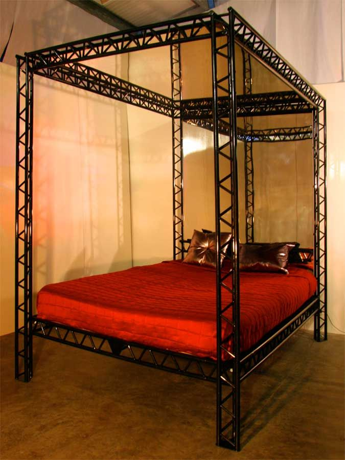 versatile bondage bed from kinkybeds | bdsm gear that makes me
