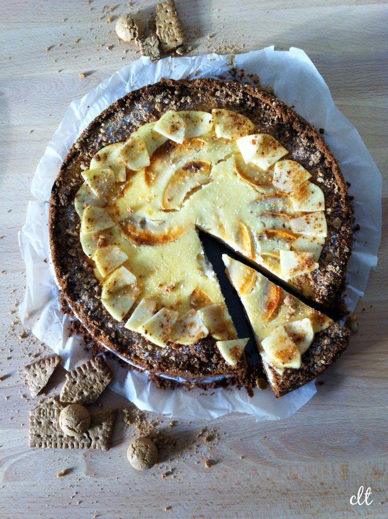 Gebacken: Käsekuchen mit Äpfeln und Amarettini-Keks-Boden | Creative Little Things