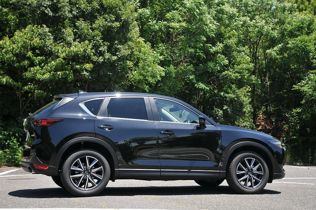 Mazda Cx 5 Kachete Se Na Borda I Da Otpadnat 車