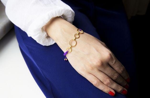Flechtarmbänder - Armband LORI mit goldenen Ringen Makramee - ein Designerstück von SmillaBrav bei DaWanda