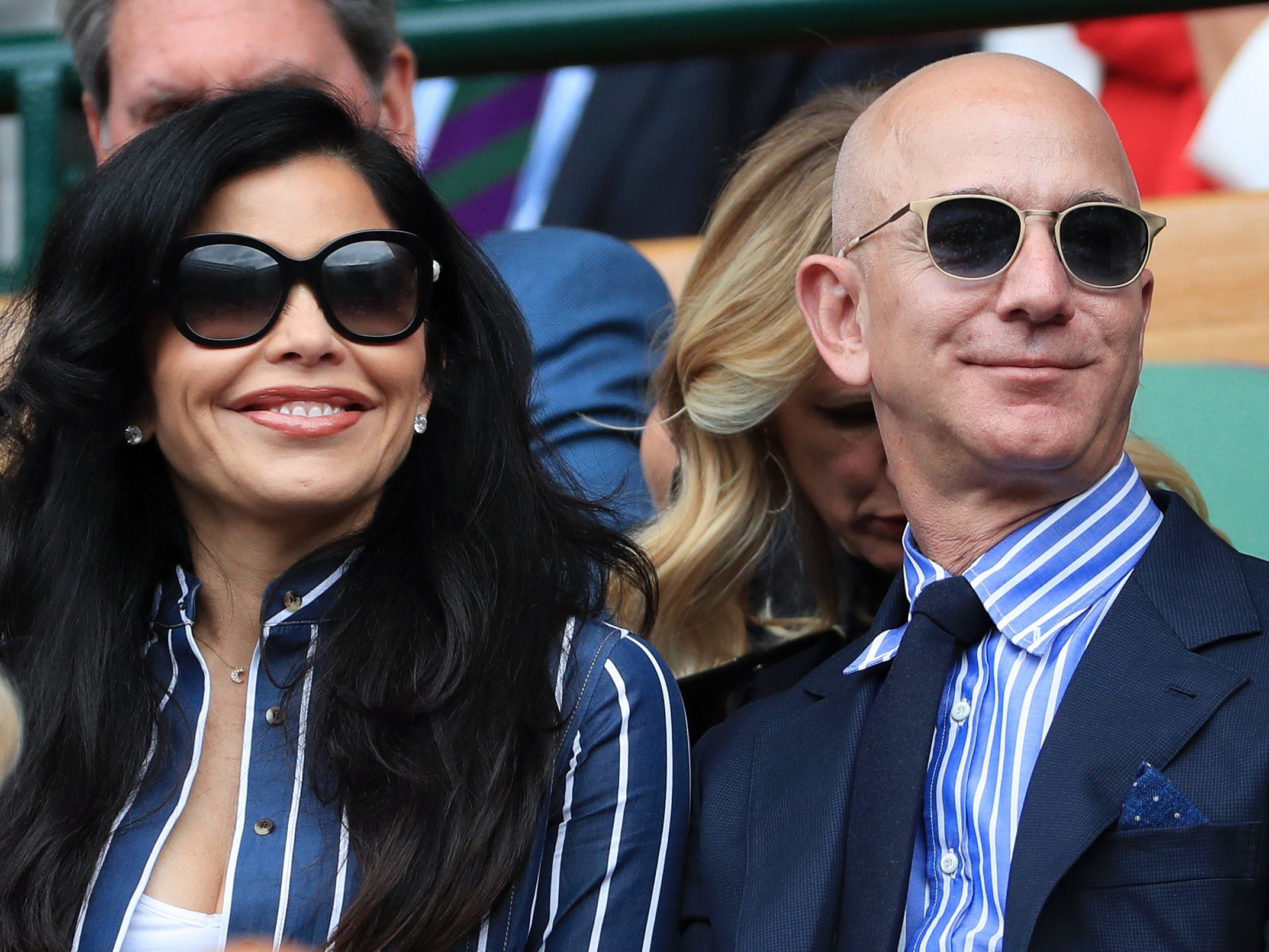 Jeff Bezos Has Reportedly Broken California S Record For The Most Expensive Home Sale Of All Time With His Purchase In 2020 Lauren Sanchez Amazon Jeff Bezos Jeff Bezos