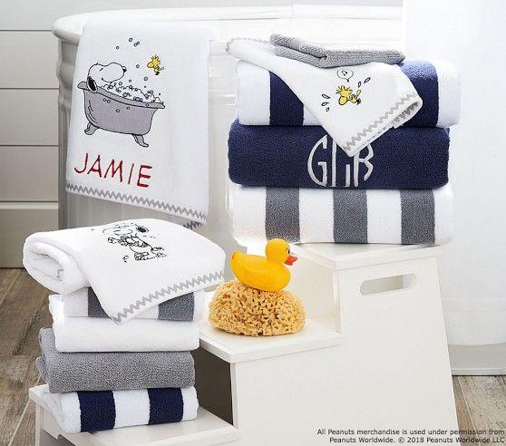 Peanuts R Bath Towel White In 2020 Towel Bath Towels