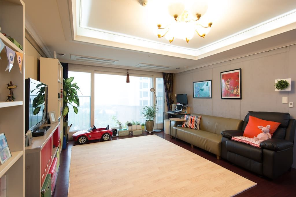 Pin By Joy On Seoul In 2020 Apartment View Han River Apartments For Rent