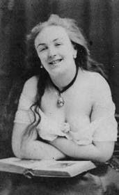Marie Laurent, attrice e modella per Manet e Renoir, foto anonima d'atelier, 1870 circa, dalla mia collezione personale di foto d'epoca...