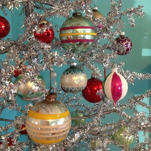 Vintage 1950's Silver Christmas Tree & Ornaments / Did you know ...
