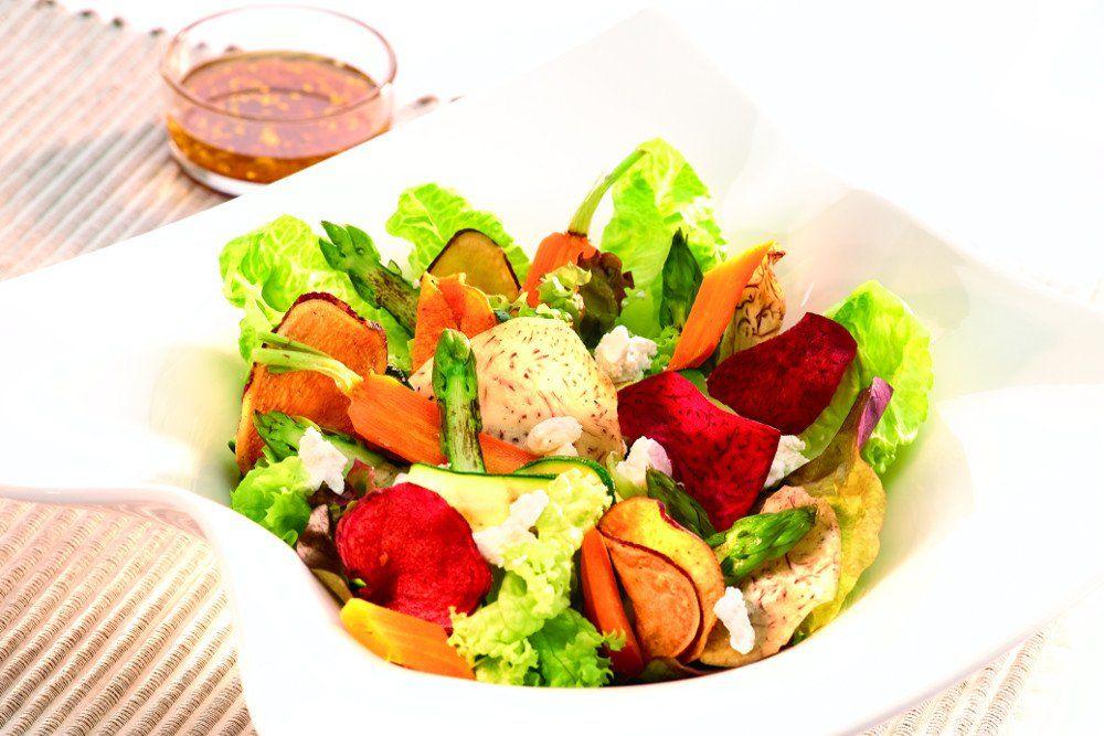 Terra Chips mit Salat