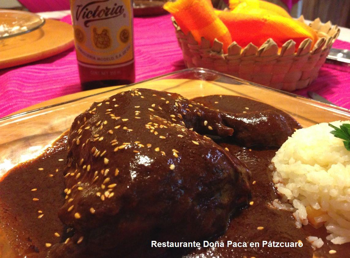 Mole Tradicional Ranchero en Restaurante Doña Paca en Patzcuaro