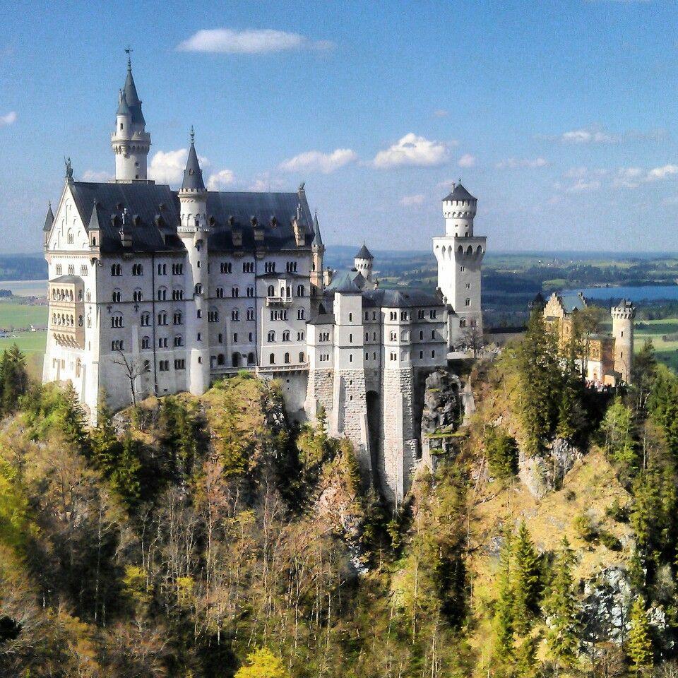Schloss Neuschwanstein In Schwangau Neuschwanstein Castle Castle Stone