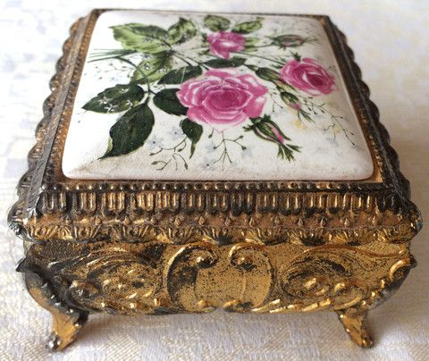 Vintage Gold Metal Embossed Footed Jewelry Trinket Box 8150 Made