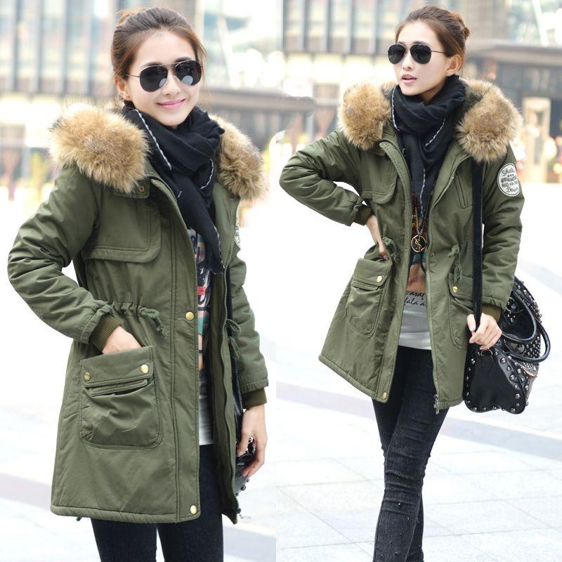 Women's long green coat – Modern fashion jacket photo blog