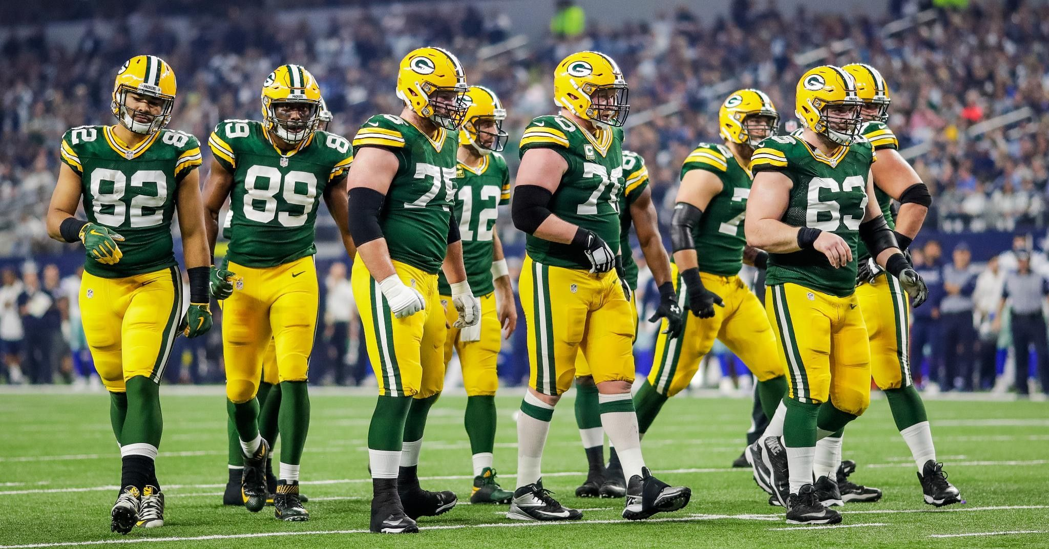Pin By Zoe Sparks On Twitter Header Green Bay Green Bay Packers Packers