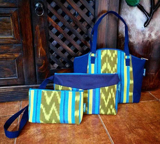 00a61d971 Conjunto de bolsos tipicos weasley... Ven este 23 y 24 de diciembre a Plaza  Magdalena y ecoge la que mas te guste.... #bolsosweasley #hechoenguatemala  ...