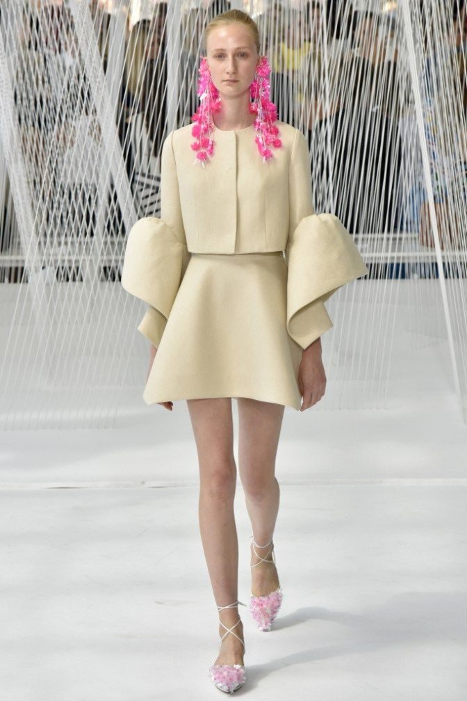 Pieces From Designer Delpozo s SS 2017 Showcased At D 2016 New York Fashion  Week. was last modified  September 26th 2be67263d07