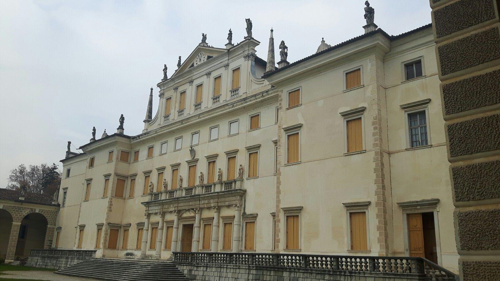 Facciata di Villa Manin a Codroipo dopo il definitivo ...
