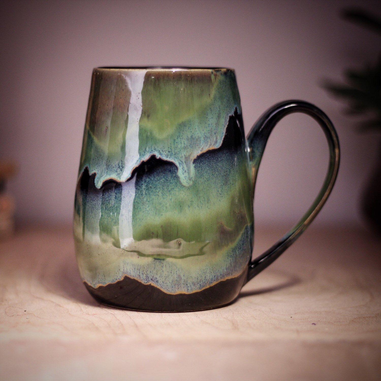 Northern Lights Precioso Solo Que Me Gustan De Color Claro X Dentro Artisan Pottery Pottery Mugs Ceramics