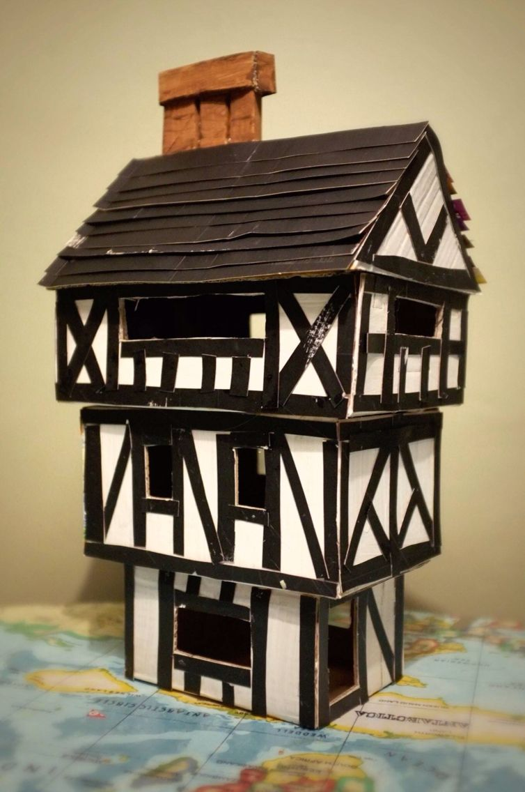Tudor house for junior school project children - What makes a house a tudor ...