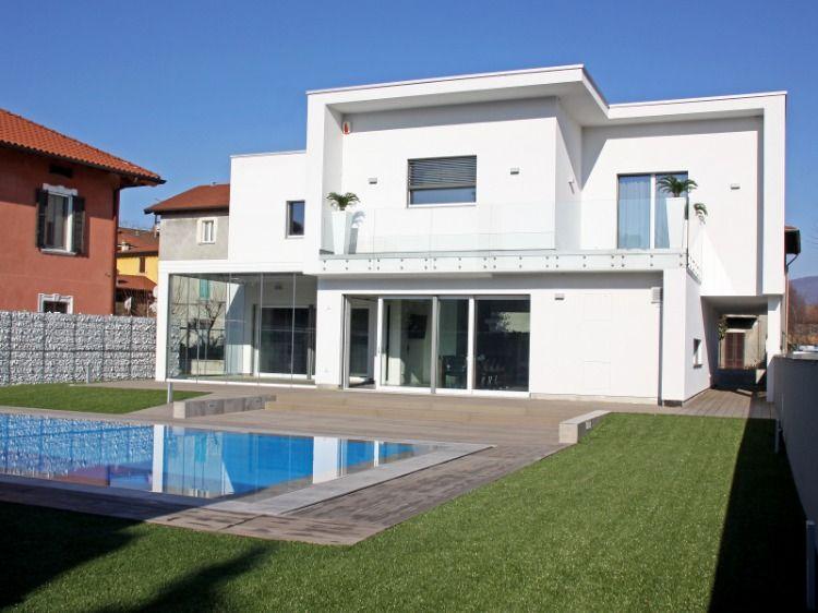 Nuova Villa Moderna Con Piscina Realizzata A Seriate Bg Progettista Geom Luciano Oberti Studio Progetti Progetto Casa Moderna Stili Di Casa Villa
