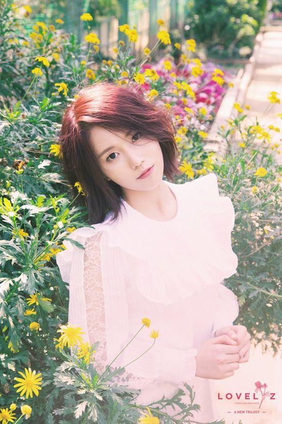 러블리즈 예인·진, 봄소녀 감성