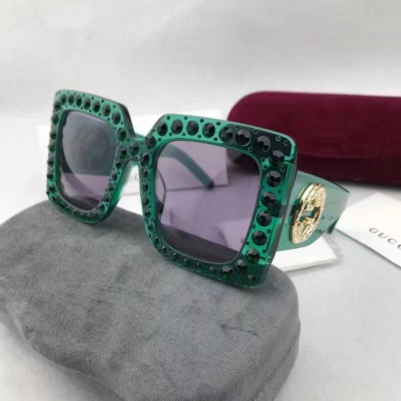 b8770a15bf Oversize square frame acetate sunglasses by Gucci 100% UV protection Transparent  pink black