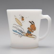 Recently/currently made in Japan. NEW Fire King SNOOPY & Woodstock got tanned SURF'S UP PEANUTS Mug made in Japan