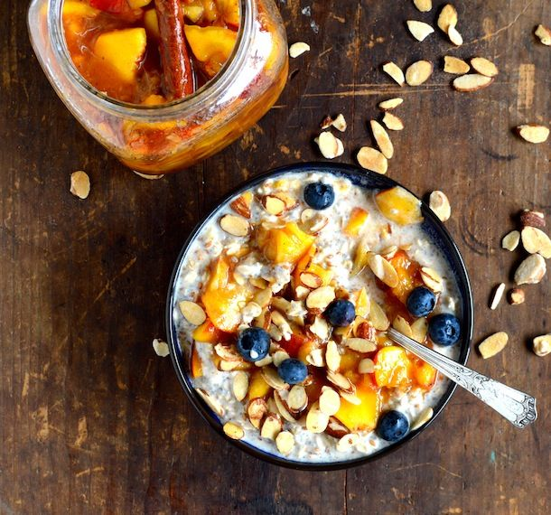 HEALTHY PEACHES AND OVERNIGHT OATS