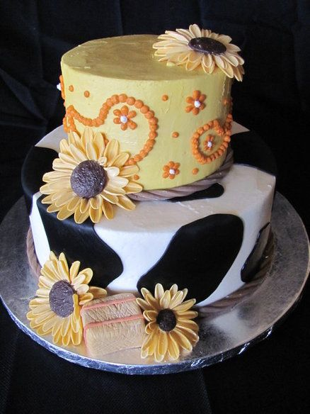 Terrific Country Girl Bridal Shower Cake With Images Cow Cakes Country Funny Birthday Cards Online Elaedamsfinfo