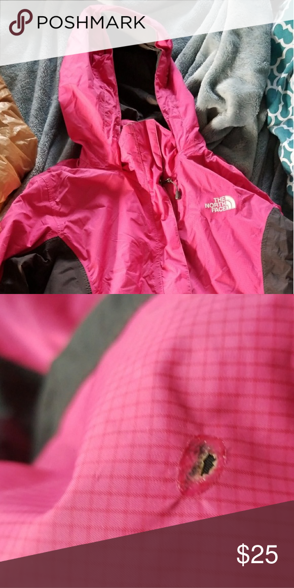 The North Face Jacket Excellent Condition Except A Small Burn Hole On The Bottom Of Sleeve And It S A Bit Wrinkly N North Face Jacket Jackets Clothes Design