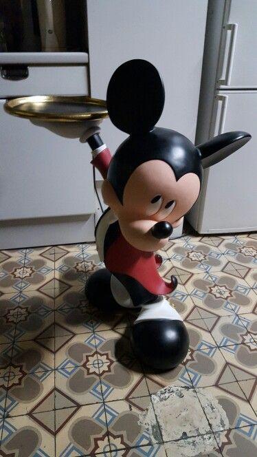 disney mickey waiter statue