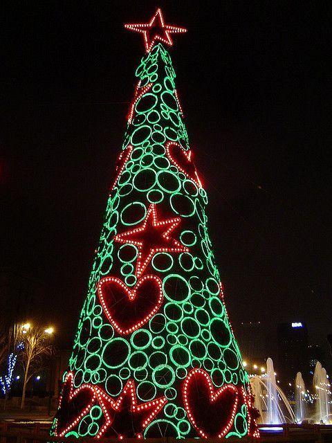 Christmas tree, Madrid, Spain - 23 Beautiful Photos Of Christmas In Madrid, Spain Christmas